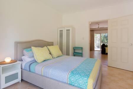 Amazing Guest House near Beach! - Villa