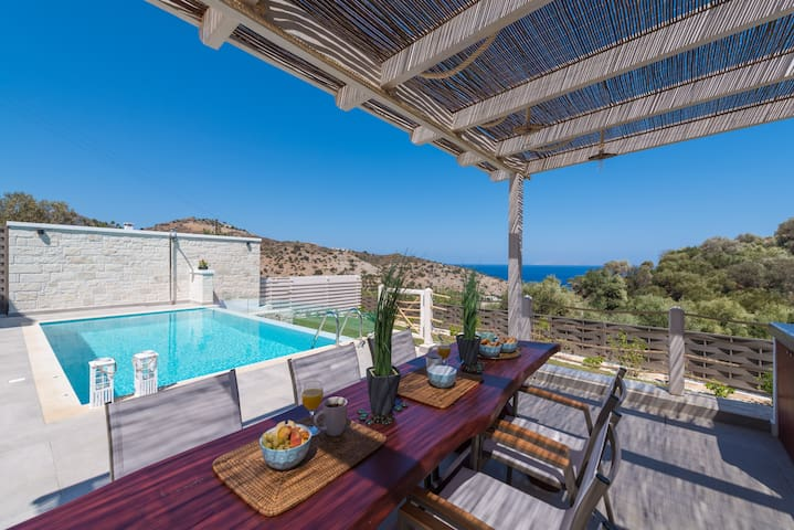 """INDER"" Sea view Villa - private swimming pool !"