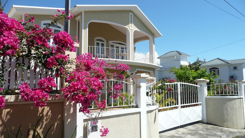 Spacious 3 bedroom house - Morcellement Lorette - Mahebourg - Casa