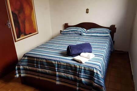 Casa com 3 quartos sendo uma suite