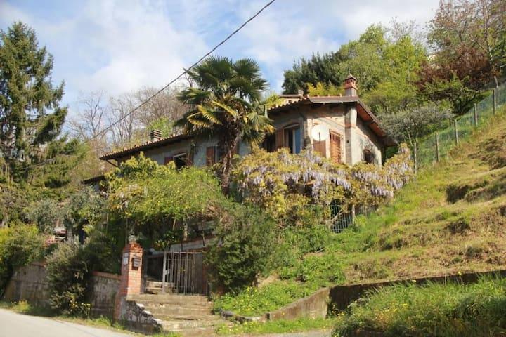 Villa colonica antica, sito panoramico di Metato