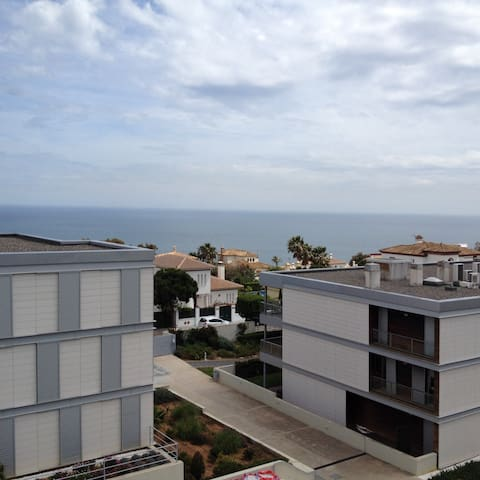 Superbe appartement ATICO  belle terrasse vue mer