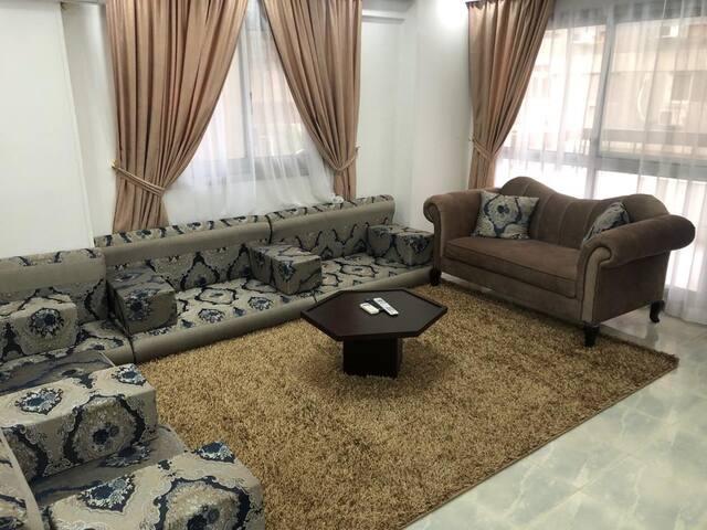4 شارع نابلس من شارع شهاب المهندسين  القاهره