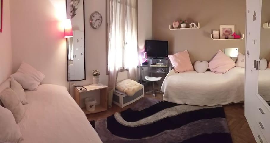 Chambre au coeur de Juan les pins,2 lits,TV câblée