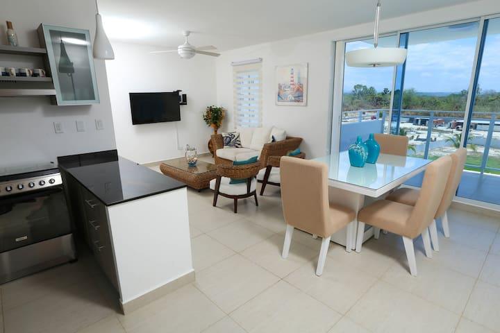 3 Bedroom Apartment with Garden view