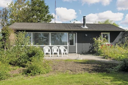 Holiday cottage with 2 bedrooms on 60m² in Rødby