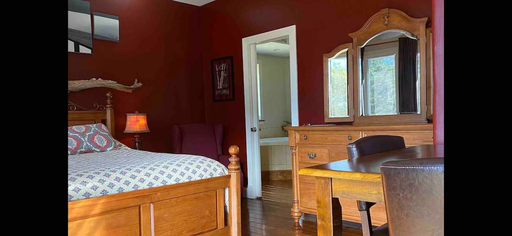 """#3 """"Monthly Rental"""" Furnished, Waterfront suite"""