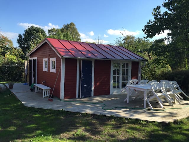 A cosy cottage - close to the sea! - Ängelholm V - Cabane