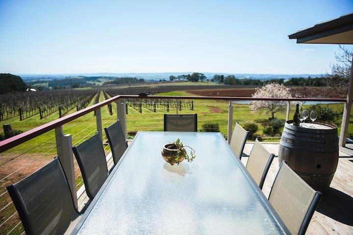 'Forest Edge' vineyard house
