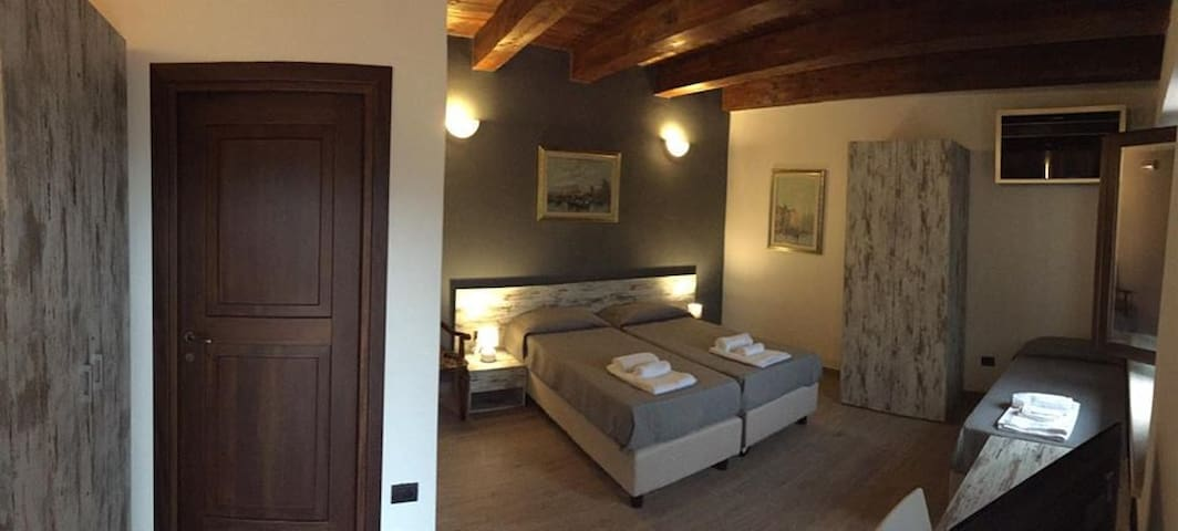 B&B CASALE CALABRIA camera tripla da 2 a 3 persone - Gizzeria - Bed & Breakfast