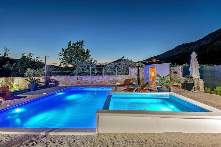Luxury Villa near Split,private pool,sauna,Croatia