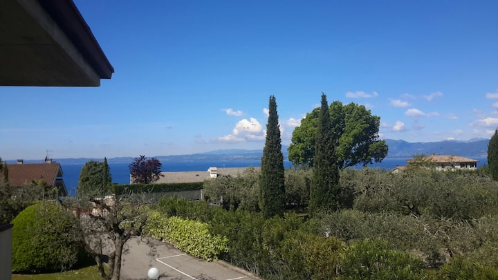 Apartment with lake view among olive trees