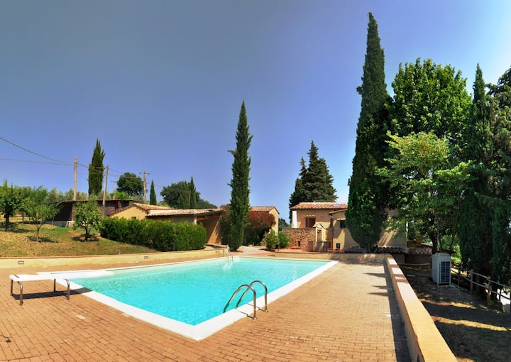Villa in a Walking distance from San Gimignano