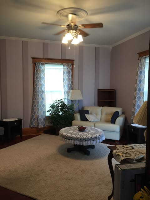 1 Bdrm Apartment with Victorian Charm