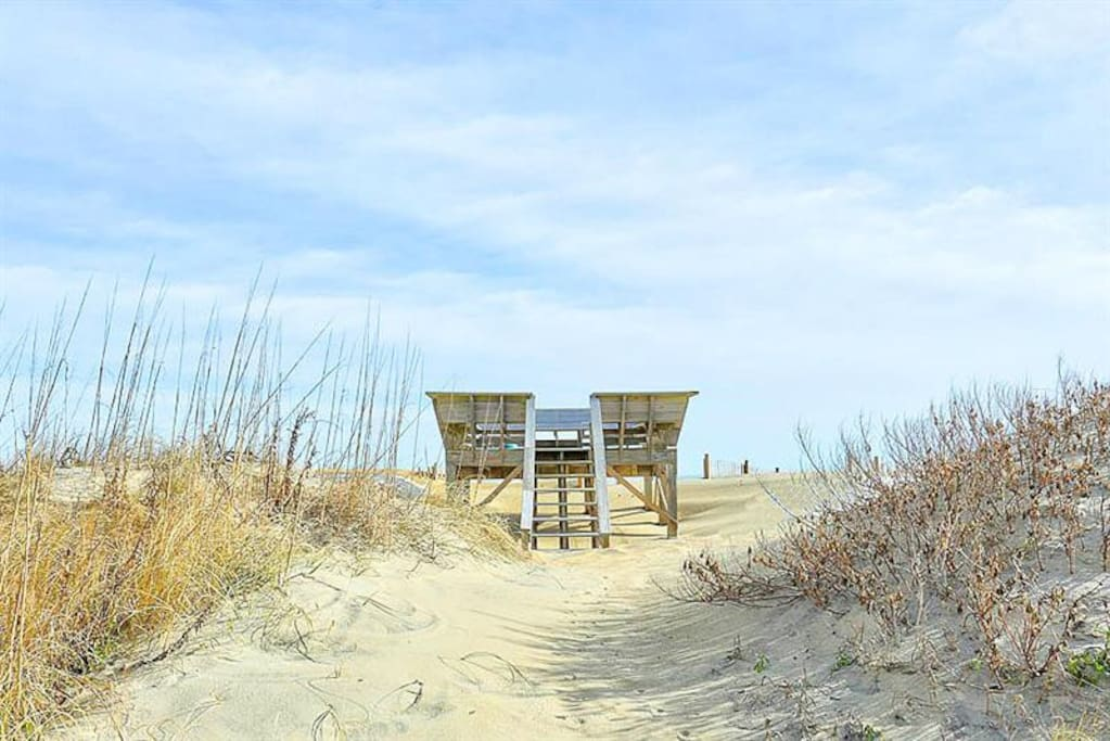 Private dune top deck