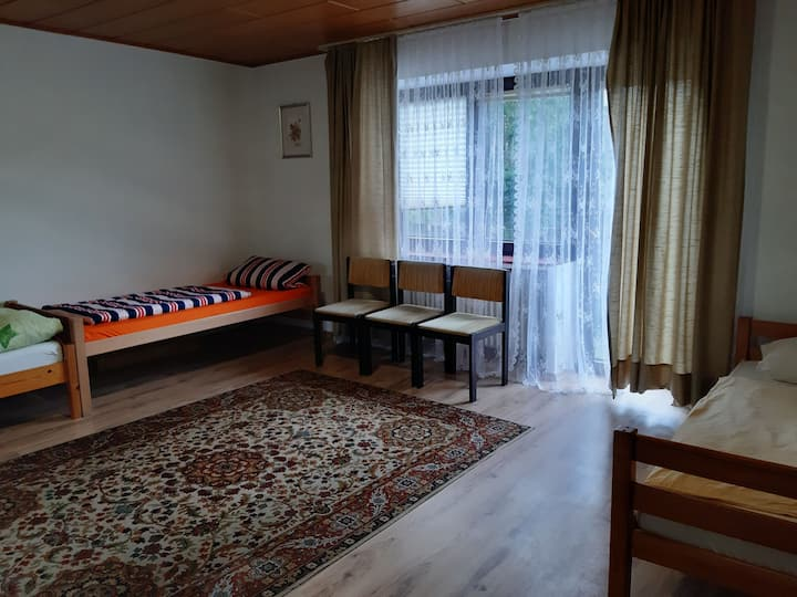 Hostel bei Damhirsch Hotel