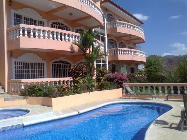 2 Bedrooms Ocean View Apt in Ocotal
