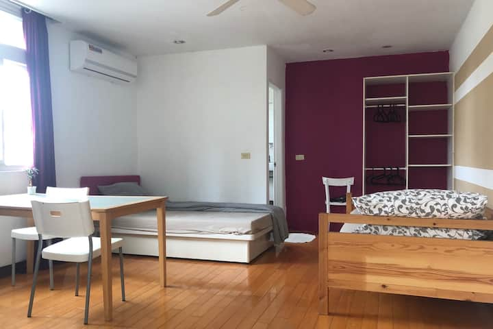 Bright & Spacious Studio in  Tian Mou