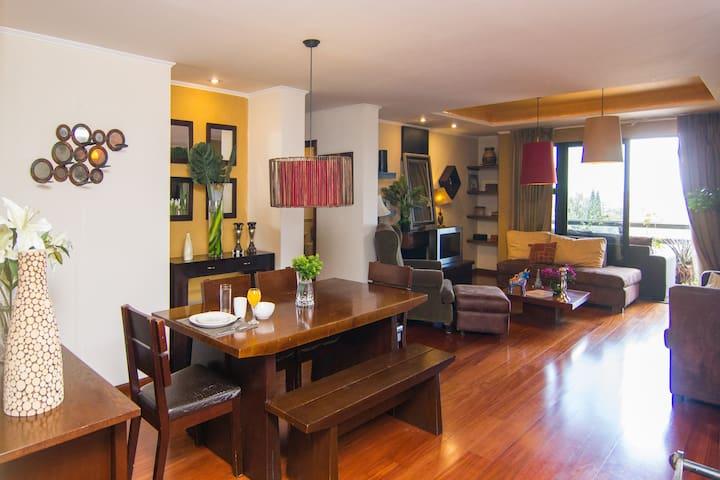 COMFORT & OUTSTANDING LOCATION IN GUATEMALA CITY - Guatemala - Lägenhet