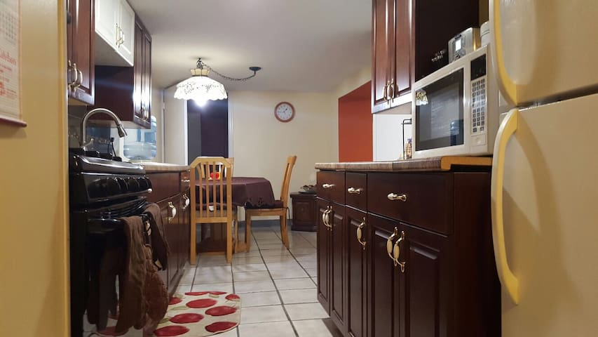 Cozy 2 BR Apartment in North Bergen