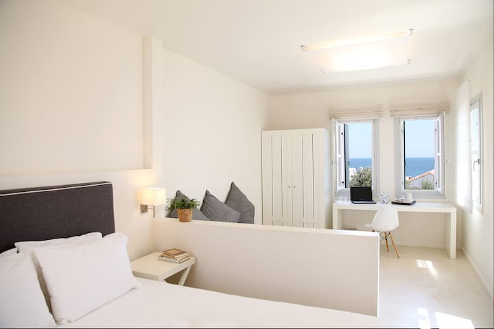 Boutique Suite with Sea View - Skyros - Bed & Breakfast