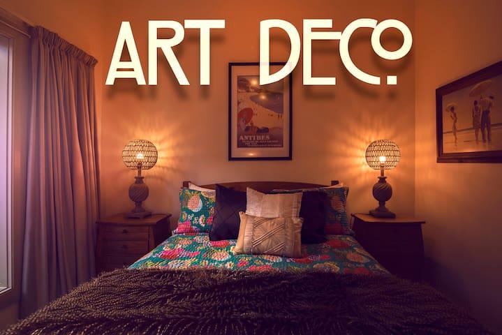 Art Deco Apartment 1