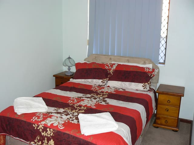 Geraldton Holiday Unit - Geraldton - Lakás