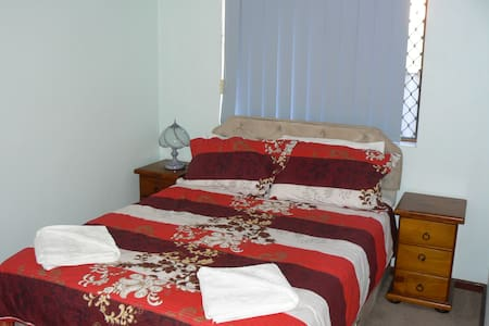 Geraldton Holiday Unit - Geraldton - Apartment