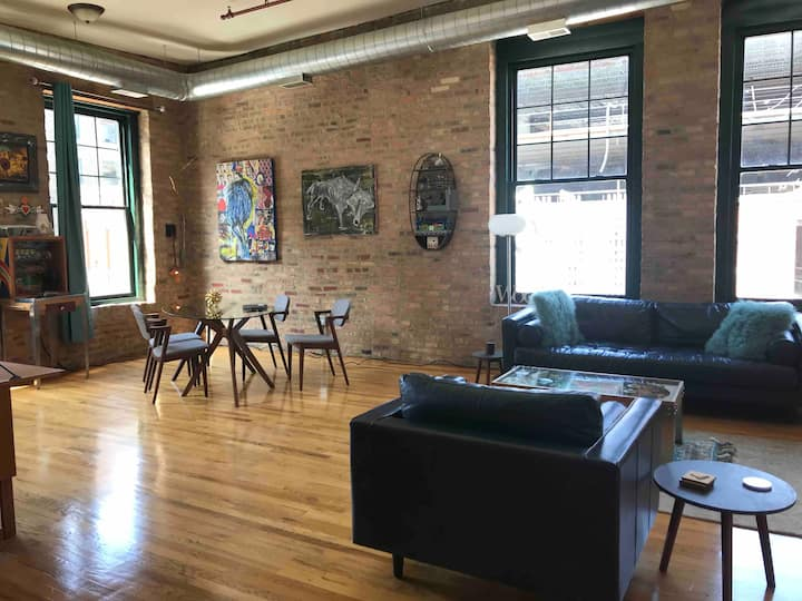 Awesome Brick and Timber Loft in West Loop