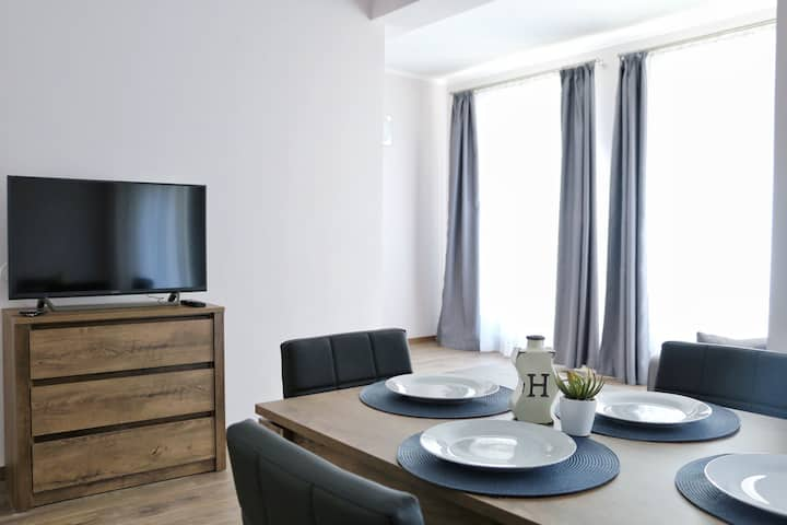 Cozy apart with balcony & FREE parking. CityCenter