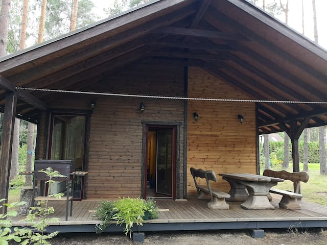 Comfy Skrastu cottage next to forest, near Riga