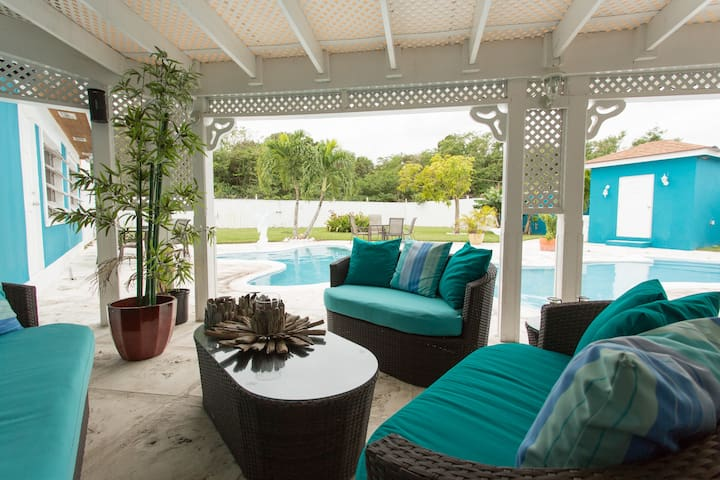 Eastern Estate in Nassau, Bahamas
