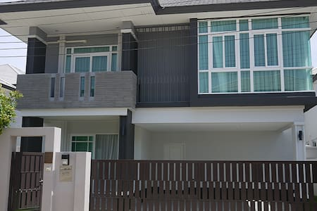 Housing Next To Regents International School - Bang Lamung District - บ้าน