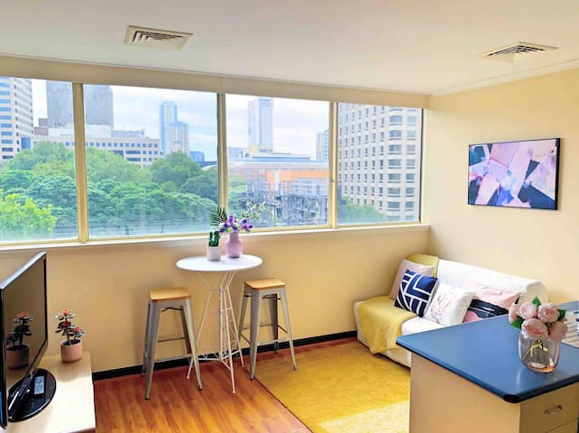 Charming, Cozy & Super Central Apartment,City View