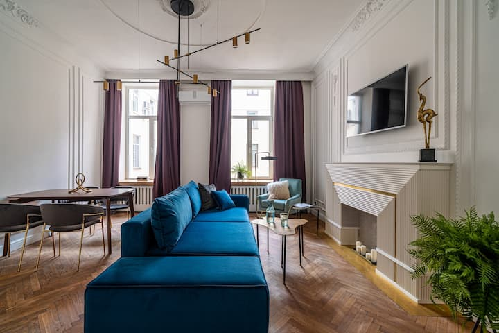 Apartment near Saint-Isaac's Cathedral