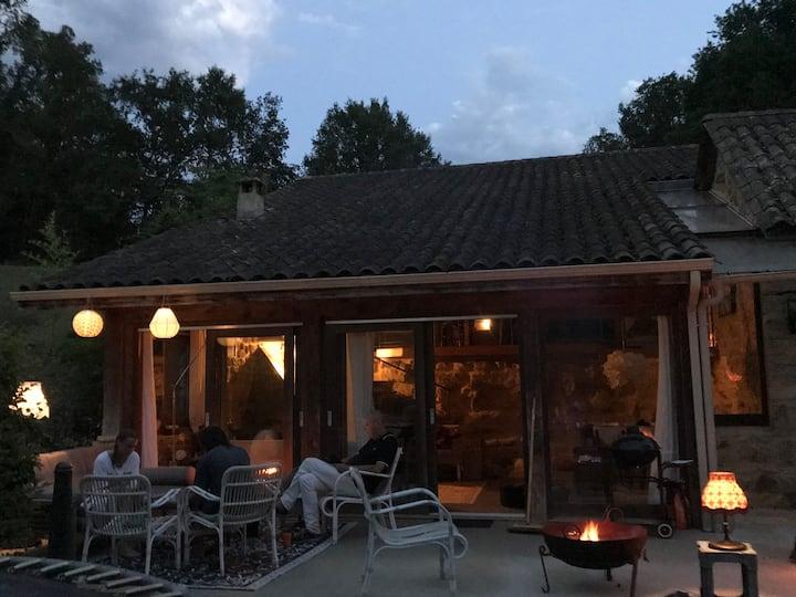 Dordogne de-Luxe Pool Privacy for 6