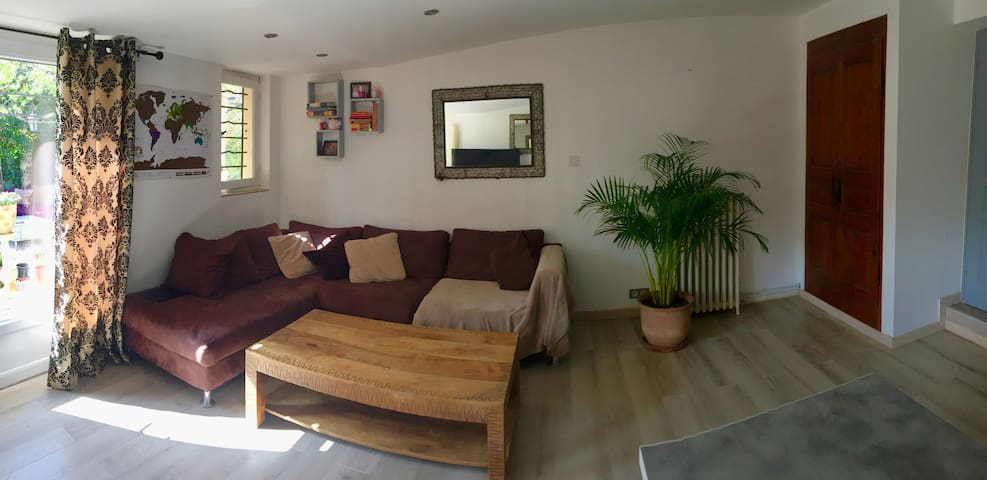Cozy apartment 50 m2 with beautiful garden