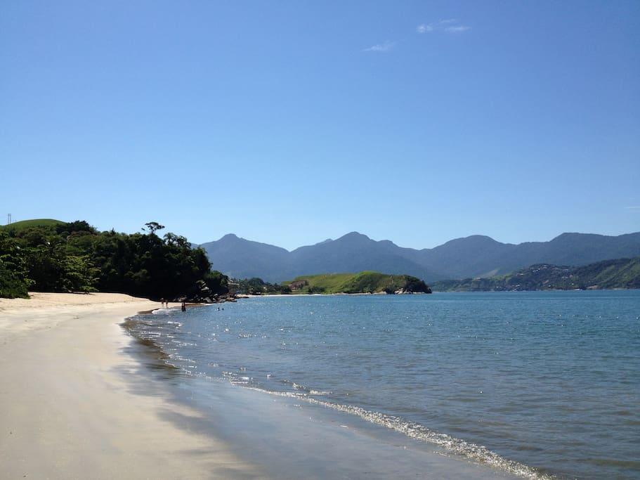 A Praia e o canal de São Sebastião