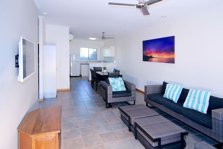 Cable Beach Apartments - 1 Bedroom
