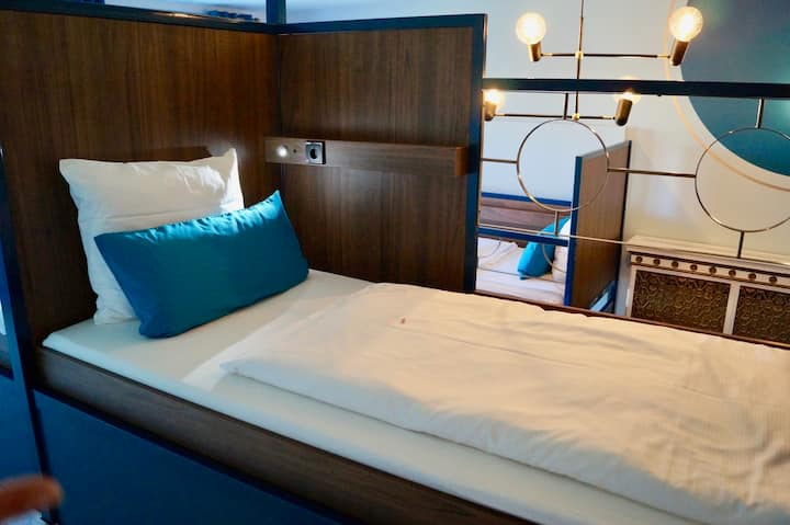 Bed in 8 bed dorm with bathroom and breakfast