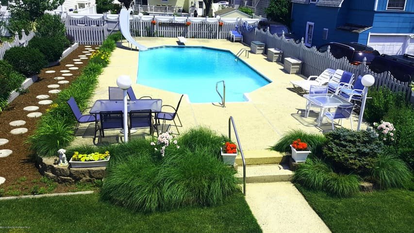 Spacious Home With Pool, Sleeps 10 - Point Pleasant Beach - Σπίτι διακοπών