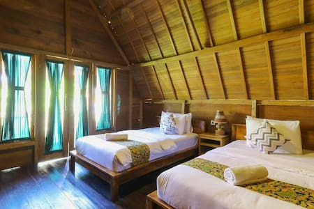 Twin Room Nyuh Gading Bungalow Nusa Penida Island