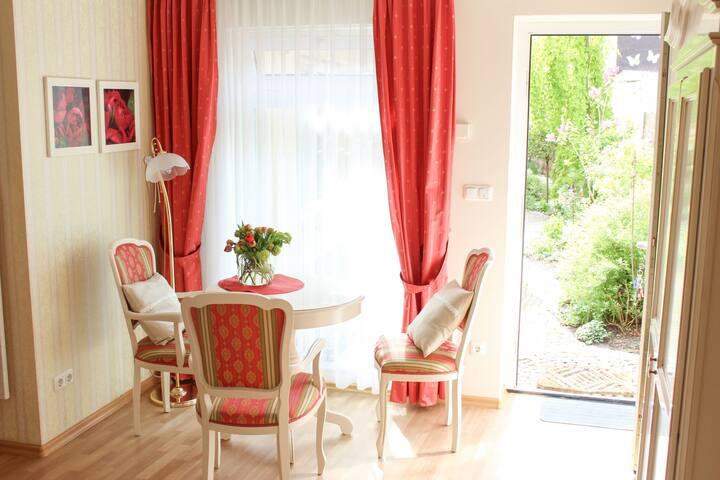 Geräumiges Apartment in Warnemünde in Strandnähe