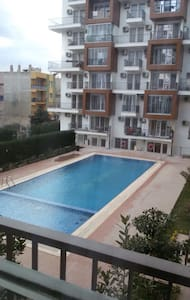 Room and beds in new apartment - Bornova - Appartement