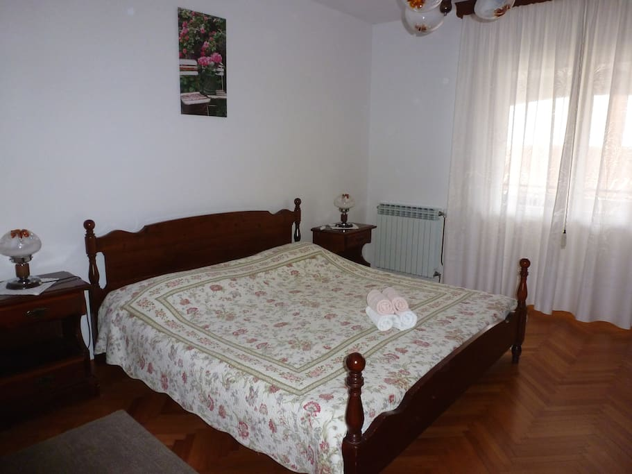 Bedroom no.2 - double bed + single bed