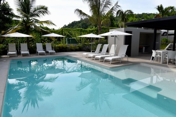 Brand New Condo - Close to Beach and Town!