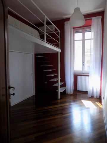Camera nel prestigioso Palazzo dei Catenielli, 63