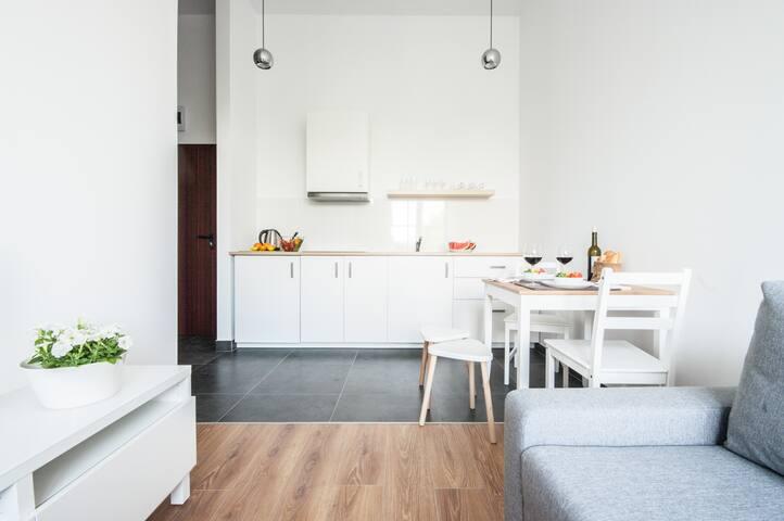 Komfortowy apartament przy metrze