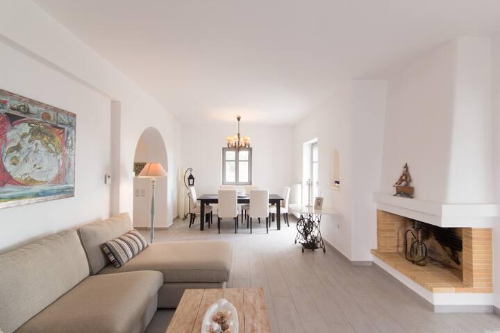Parian Hill Residence Villa