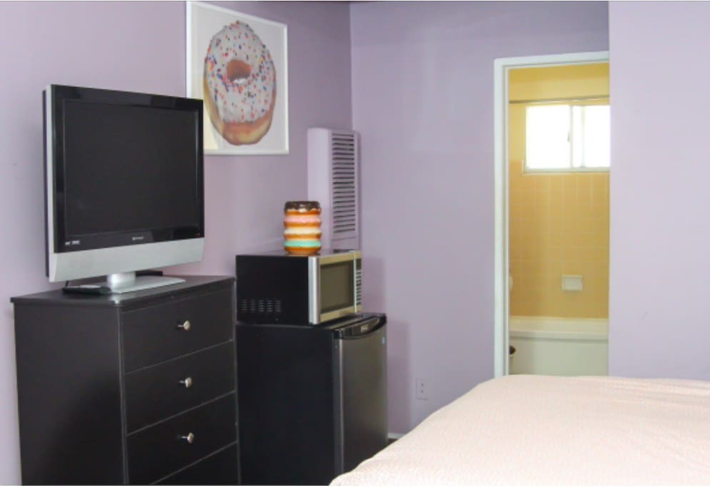 Bachelor size unit, no kitchen  Large walk in bathroom with shower and bathtub